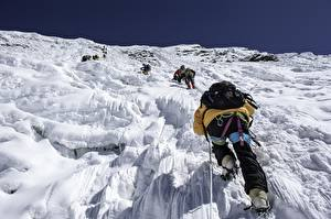 Papel de Parede Desktop Alpinismo Montanha Alpinista De volta Mochila Himalaja, Imja Tse, Nepal Desporto