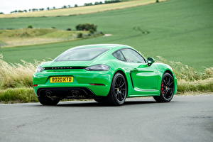 Image Porsche Coupe Green Metallic Back view 718 Cayman GTS 4.0, 982C, UK-spec, 2020 automobile