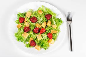 Fondos de escritorio Ensaladas Verdura Fresas Plato Tenedor Alimentos