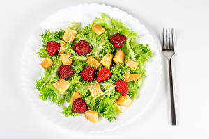 Fotos Salat Gemüse Erdbeeren Teller Gabel Lebensmittel