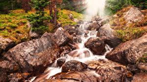 Картинки Камень Лучи света Ручей HDR Природа