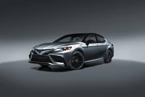 Hintergrundbilder Toyota Metallisch Camry Hybrid XSE, North America, 2020