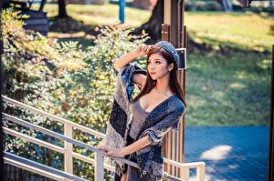 Hintergrundbilder Asiatisches Barett Unterhemd Dekolleté Blick junge Frauen