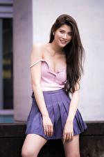 Hintergrundbilder Asiatische Braunhaarige Rock Unterhemd Lächeln junge Frauen