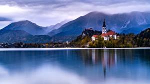 Hintergrundbilder Österreich Hallstatt Gebirge See Kirchengebäude Alpen Lake Hallstatt Natur
