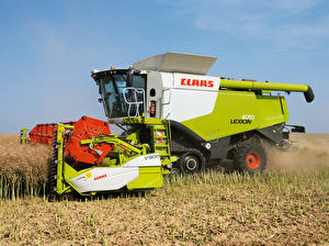 Picture Fields Agricultural machinery Combine harvester 2010-20 Claas Lexion 670