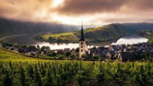 Hintergrundbilder Deutschland Kirchengebäude Flusse Rebberg Trier, Mosel, Rheinland-Pfalz Städte