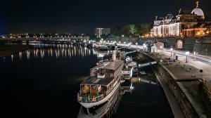 Fotos Deutschland Flusse Schiffsanleger Binnenschiff Dresden Nacht Saxony, Elbe Städte