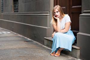 Hintergrundbilder Sitzend Hand Blick Giulia Mädchens
