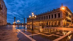 Wallpaper Italy Evening Venice Town square Street lights Cities