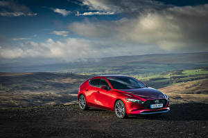 Sfondi desktop Mazda Rosso Metallizzato 2019-20 Mazda3 Skyactiv-G Hatchback macchina