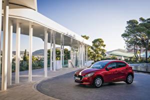 Bilder Mazda Rot Metallisch 2020 Mazda2 Worldwide Autos