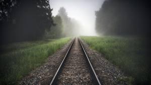 Fotos Eisenbahn Schienen Gras Nebel Natur