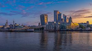 Wallpapers River Ships Skyscrapers Sunrise and sunset England London Thames Cities