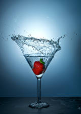 Picture Strawberry Water Stemware Water splash Food