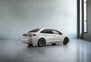 Picture Toyota Side White Metallic Corolla Hybrid Sedan GR Sport, 2020 auto