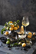 Image Wine Apricot Cheese Figs Apples Blueberries Blackberry Boards Stemware