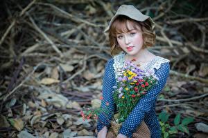 Фотографии Азиаты Букеты Боке Шляпе Шатенки Взгляд Милый Девушки