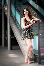 Tapety na pulpit Azjatycka Sukienka Uśmiech dziewczyna