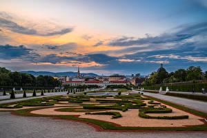 Bilder Österreich Wien Landschaftsbau Springbrunnen Abend Palast Rasen Belvedere Städte