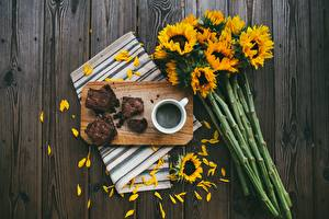 Pictures Bouquet Helianthus Coffee Pie Cutting board Petals Piece Food