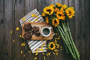 Pictures Bouquet Helianthus Coffee Pie Cutting board Petals Piece