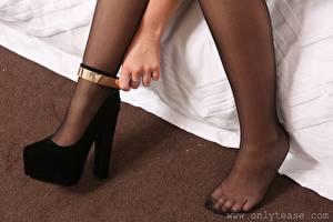 Desktop wallpapers Closeup Legs Stilettos Pantyhose Girls