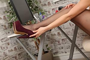Wallpaper Closeup Legs Stilettos Pantyhose Hands female