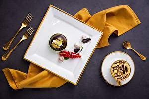 壁纸、コーヒー、キャンディ、チョコレート、ベリー、スグリ、デザート、小さなケーキ、フォーク、スプーン、ティーカップ、食品、