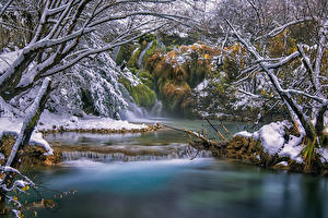 Photo Croatia Forests Rivers Waterfalls Trees Snow Plitvice Lakes Nature