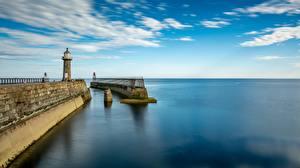 Hintergrundbilder England Bootssteg Leuchtturm Meer Horizont Whitby, Yorkshire, East Pier Städte
