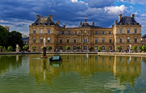 Desktop hintergrundbilder Frankreich Teich Springbrunnen Paris Palast Luxembourg Gardens Städte
