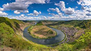 Desktop hintergrundbilder Deutschland Fluss Himmel Hügel Wolke Bäume Calmont, Mosel River Natur