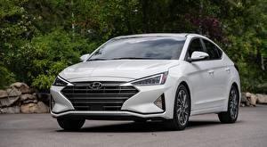 Image Hyundai White Sedan Front Metallic Elantra, Limited US-spec, 2018 automobile