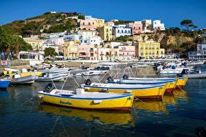 Hintergrundbilder Italien Berg Bootssteg Gebäude Boot Ponza Städte