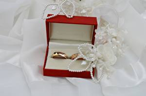 Wallpapers Jewelry Box Ring Gold color Wedding Food pictures images