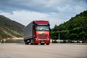 Bilder Mercedes-Benz Lastkraftwagen Rot Actros 1863 LS, 2018