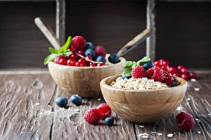 Photo Muesli Berry Bowl