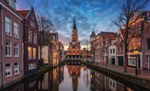 Fotos Niederlande Abend Kanal Straßenlaterne Alkmaar, Nordholland channel Städte