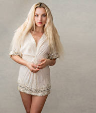 Fotos & Bilder Blond Mädchen Kleid Blick Olivia Mädchens