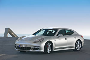 Photo Porsche Silver color Metallic  automobile
