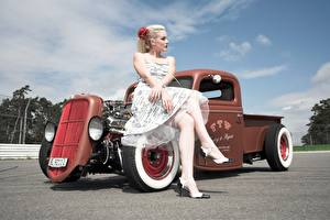 Wallpapers Retro Blonde girl Sit Frock Hands Legs Stilettos hot rod young woman Cars