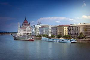 Pictures Rivers Riverboat Budapest Hungary Danube Cities