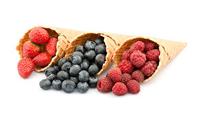 Images Strawberry Blueberries Raspberry White background Three 3 Ice cream cone