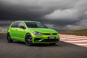 Bureaubladachtergronden Volkswagen Geel groen Metallic 2020 Golf R 5-door Final Edition auto's