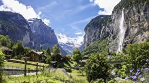 Hintergrundbilder Wasserfall Schweiz Gebirge Dorf Felsen Alpen Canton Bern, Staubbach Waterfall, Lauterbrunnen Natur