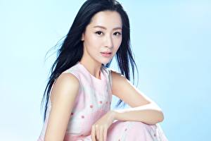 Bakgrunnsbilder Asiatisk Farget bakgrunn Brunette jente Ser Hender Buy Bin, Chinese ung kvinne