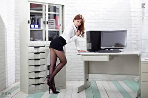 Hintergrundbilder Asiatische Büro Sekretärinen Pose Rock Bein Stöckelschuh Strumpfhose Hübsche junge Frauen