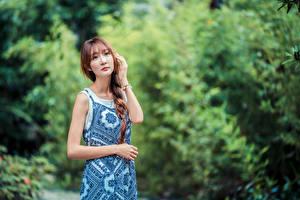Hintergrundbilder Asiatische Posiert Kleid Zopf Starren