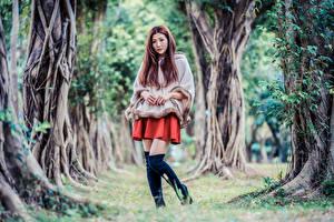 Hintergrundbilder Asiaten Pose Stiefel Bäume Starren junge Frauen